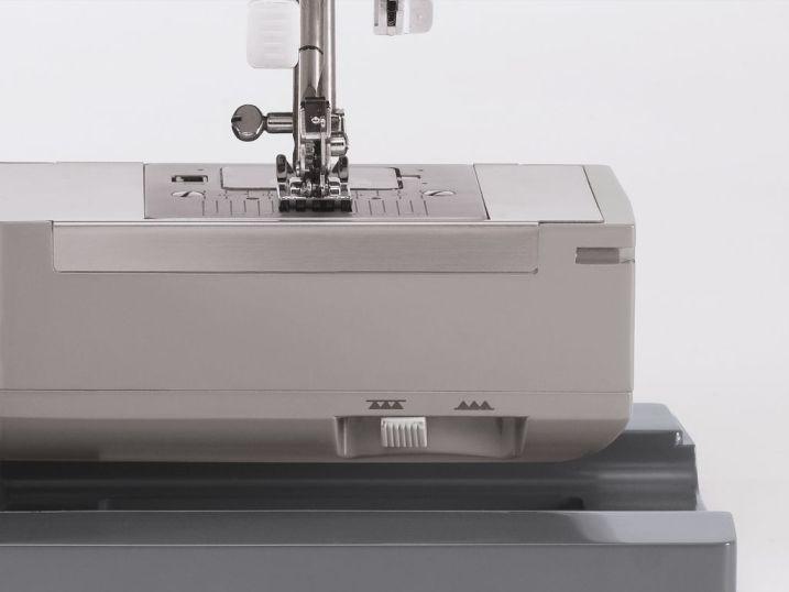 Macchine macchina per da cucire singer 4423 heavy duty for Pedale elettrico per macchina da cucire